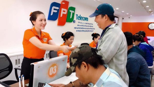 FPT Telecom Quận Gò Vấp tận tình phục vụ khách hàng.