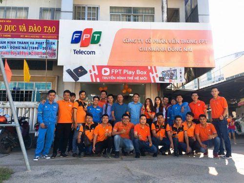Đội ngũ kinh doanh của chi nhánh FPT Quận 10.