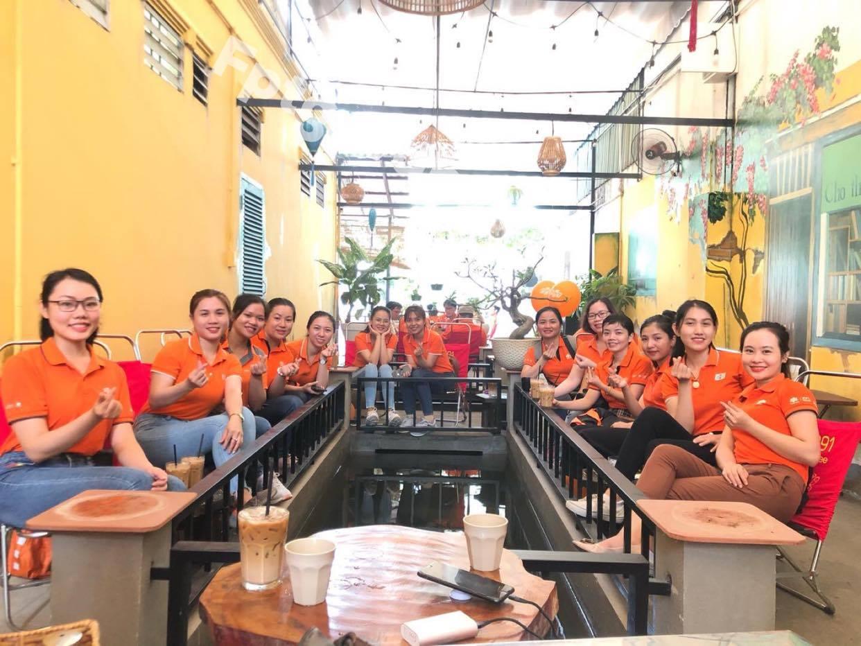 Các cán bộ, nhân viên FPT Gò Vấp rạng rỡ trong Mùa Hè Đỏ Lửa.