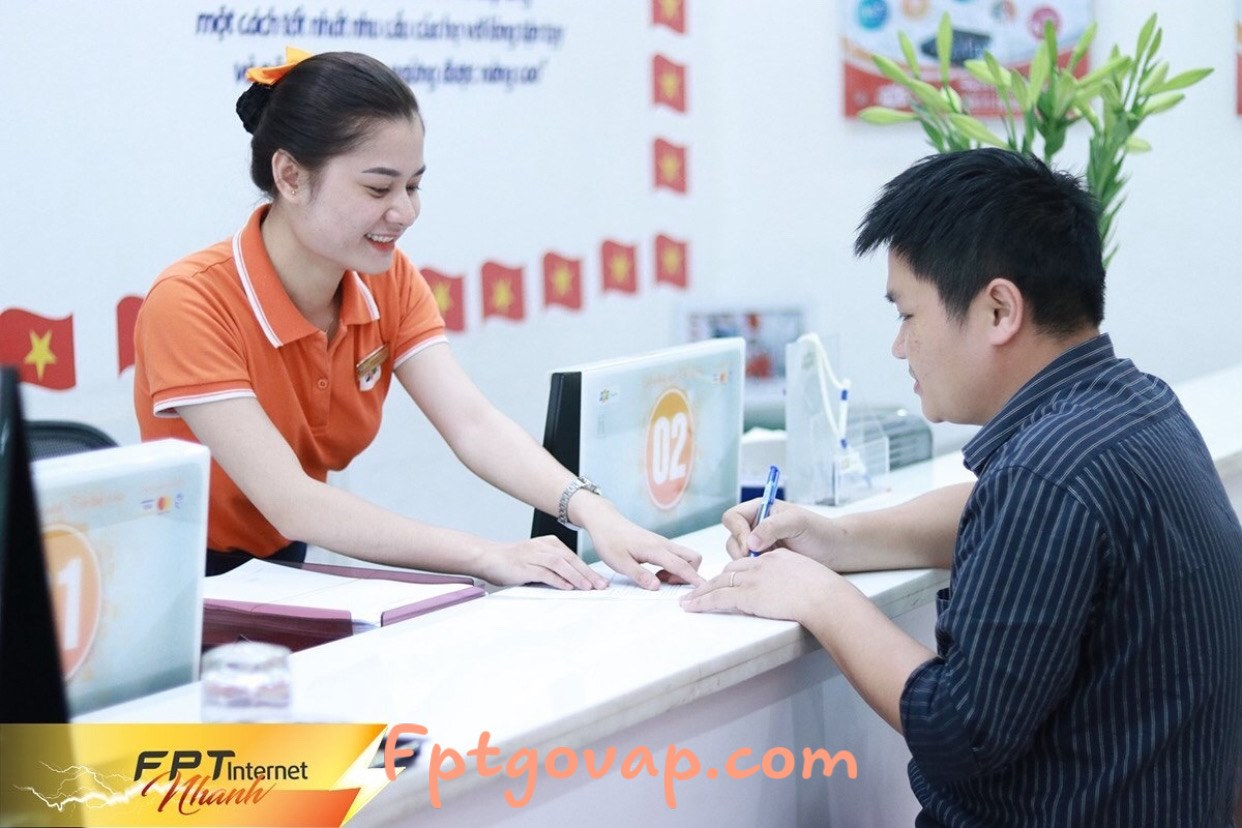 Hướng dẫn quy trình lắp mạng FPT cho khách hàng Xuân Lộc.