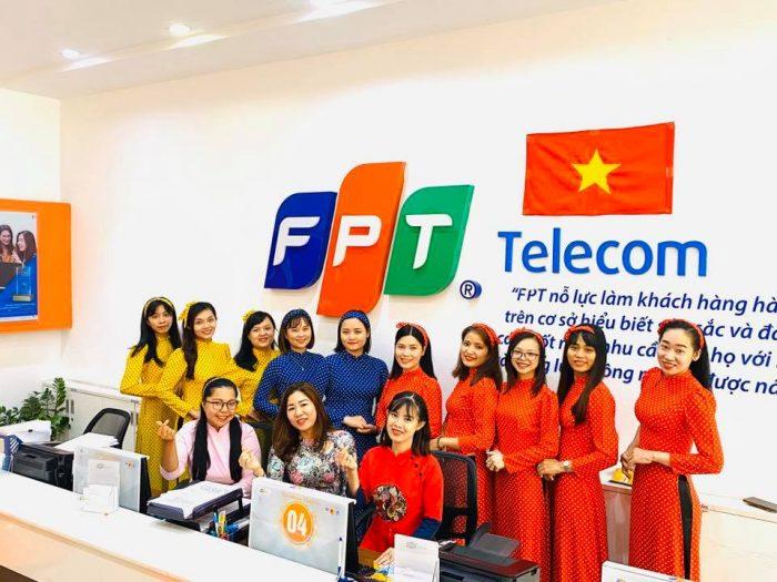 FPT Telecom luôn làm hài lòng khách hàng trên cở sở thấu hiệu, chuyên nghiệp, vui vẻ với khách hàng.