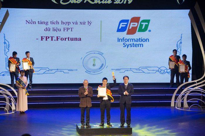 Chuyển đổi số FPT gặt hái được nhiều thành công trong năm 2019 - 2020.