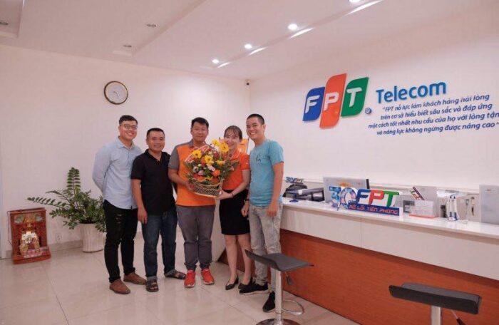Tổng đài FPT phụ vụ khách hàng 24/7, kể cả ngày lễ, tết.